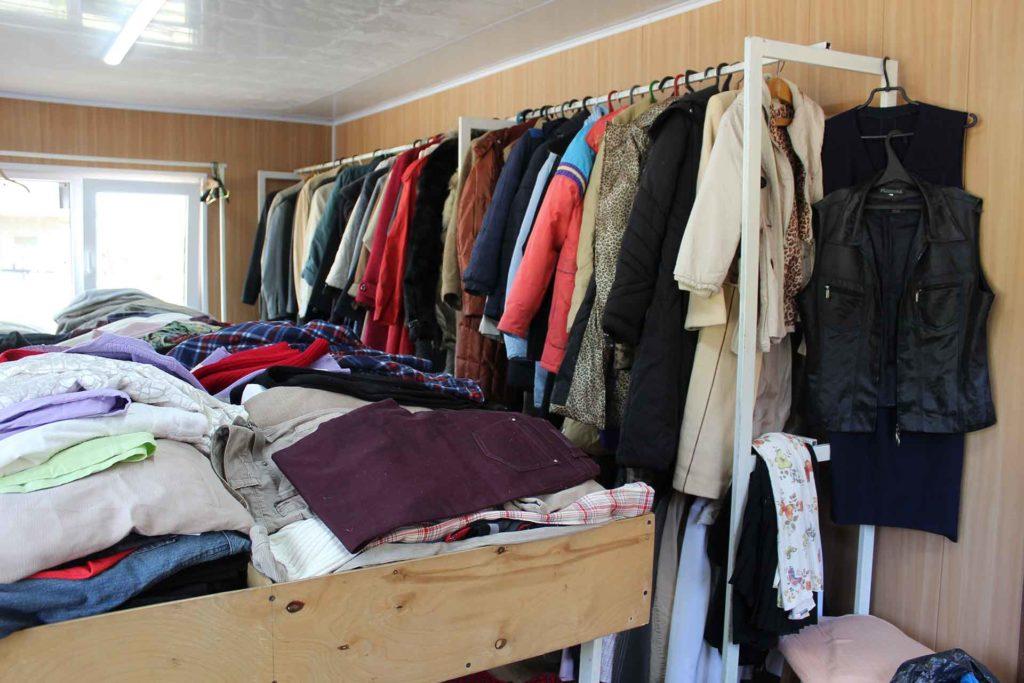Вещевой гуманитарный вещевая помощь благотворительный проект Вещь во Благо